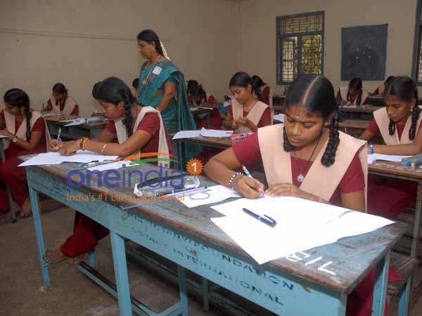 எஸ்.எஸ்.எல்.சி பொதுத்தேர்வு இன்று தொடக்கம் - 10.72 லட்சம்  மாணவர்கள் எழுதுகின்றனர்