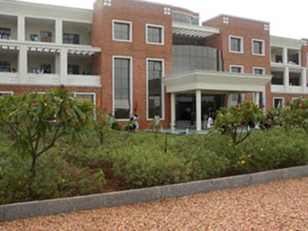 சென்னை வேல்ஸ் பல்கலைக்கழகத்தில் 20 புதிய படிப்புகள் அறிமுகம்
