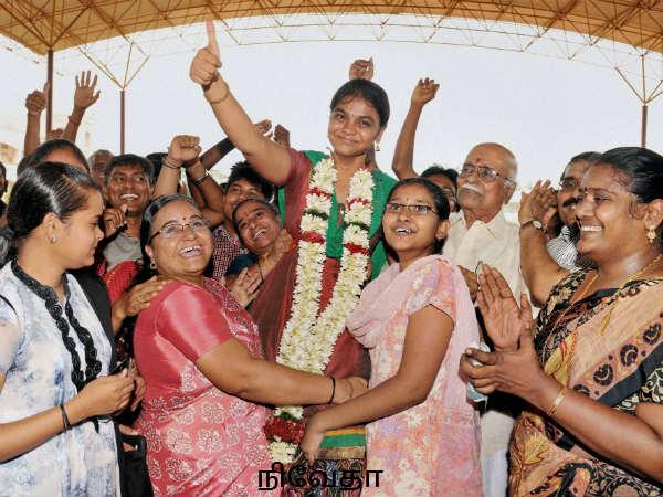 ப்ளஸ் டூ ரிசல்ட் வெளியானது… மாணவிகள் பவித்ரா, நிவேதா முதலிடம் - மாணவிகள் 93.4%, மாணவர்கள் 87.05% தேர
