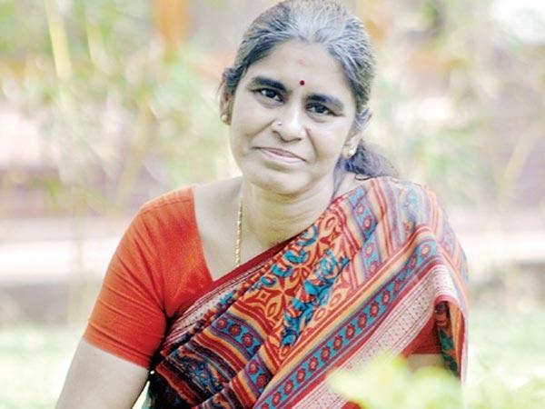 49 வயதில் ஐஐடி-யில் பட்டமேற்படிப்பு...! கலக்கும் சென்னை பெண்!!