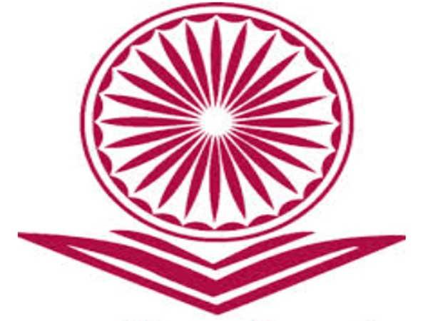மாணவர் சேர்க்கைக்காக 24 மணி நேர ஹெல்ப்லைன்: பல்கலை.களுக்கு யுஜிசி உத்தரவு...!!
