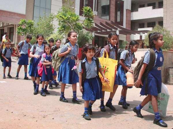பள்ளிகள் திறப்பு புது கல்வியாண்டு பள்ளிகளில் மாணவர்கள் சேர்க்கை