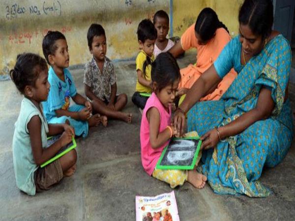 சென்னை பகுதிக்கான அங்கன்வாடி பணியிடங்களை நிரப்ப உள்ளூர் பெண்களுக்கு அழைப்பு