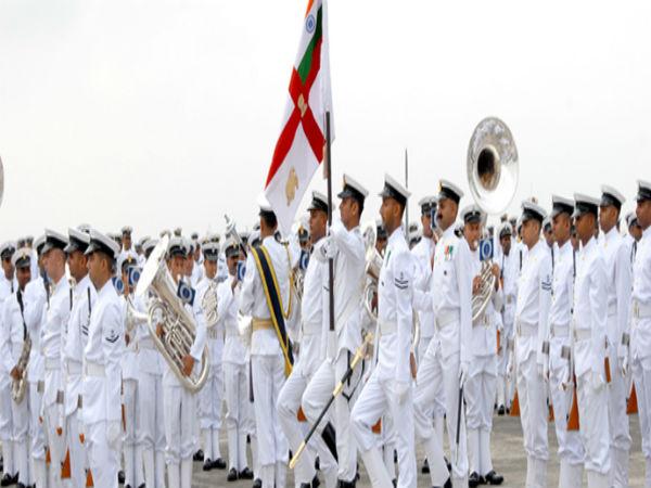 இந்திய கடற்படையில் அதிகாரி பணிவாய்ப்பு பிஇ படித்தவர்கள் விண்ணப்பிக்கலாம்