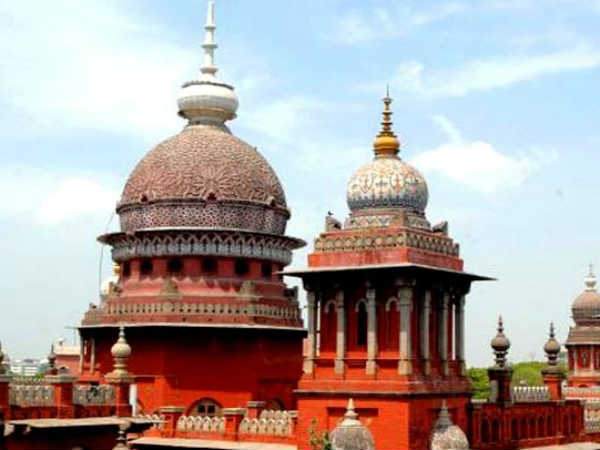 சென்னை உயர்நீதிமன்ற வேலை: விண்ணப்பிக்க இன்றே கடைசி நாள்..!