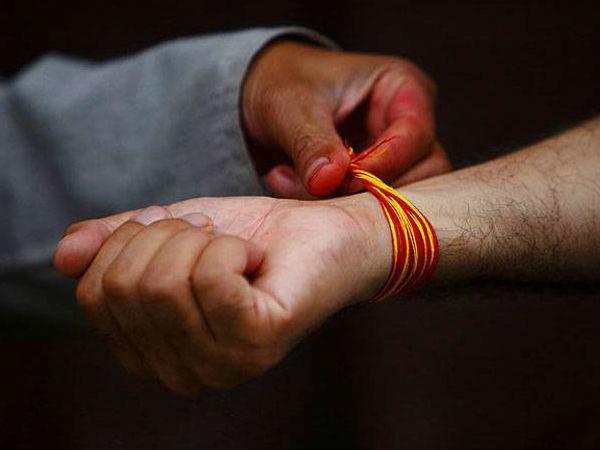 மாணவர்கள் கையில் சாதிக் கயிறு: பள்ளிக் கல்வித் துறை கடும் எச்சரிக்கை!