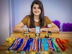 Indian Origin Girl Kashmea Wahi Tops Mensa Test Uk