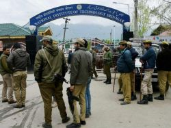 Nit Srinagar Students Start To Leave Kashmir Valley Official Says No Order Issued To Close College