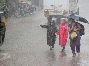 Schools Got Leave Duo Rain Tamilnadu