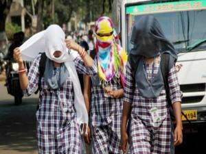 It S Too Hot School Summer Holidays Extend School Students