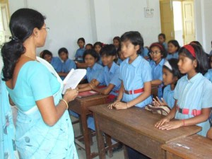 Elementary Teacher Course Only 392 Students Applied
